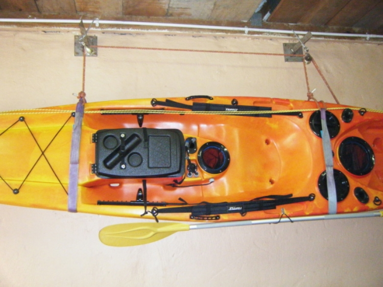 Colgar kayak pared